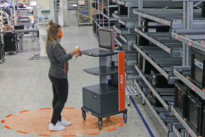 MAX mobile workstation makes it easy to maintain minimum distance